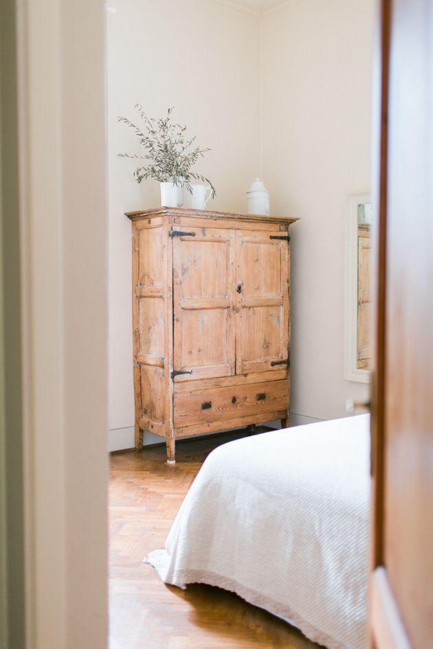 Farmhouse Bedroom Furniture: Farmhouse Bedroom