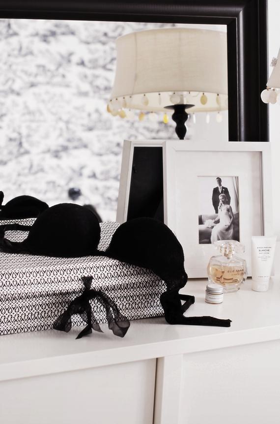 Feminine ~~ black and white appeal | . . .Feminine stuff ...