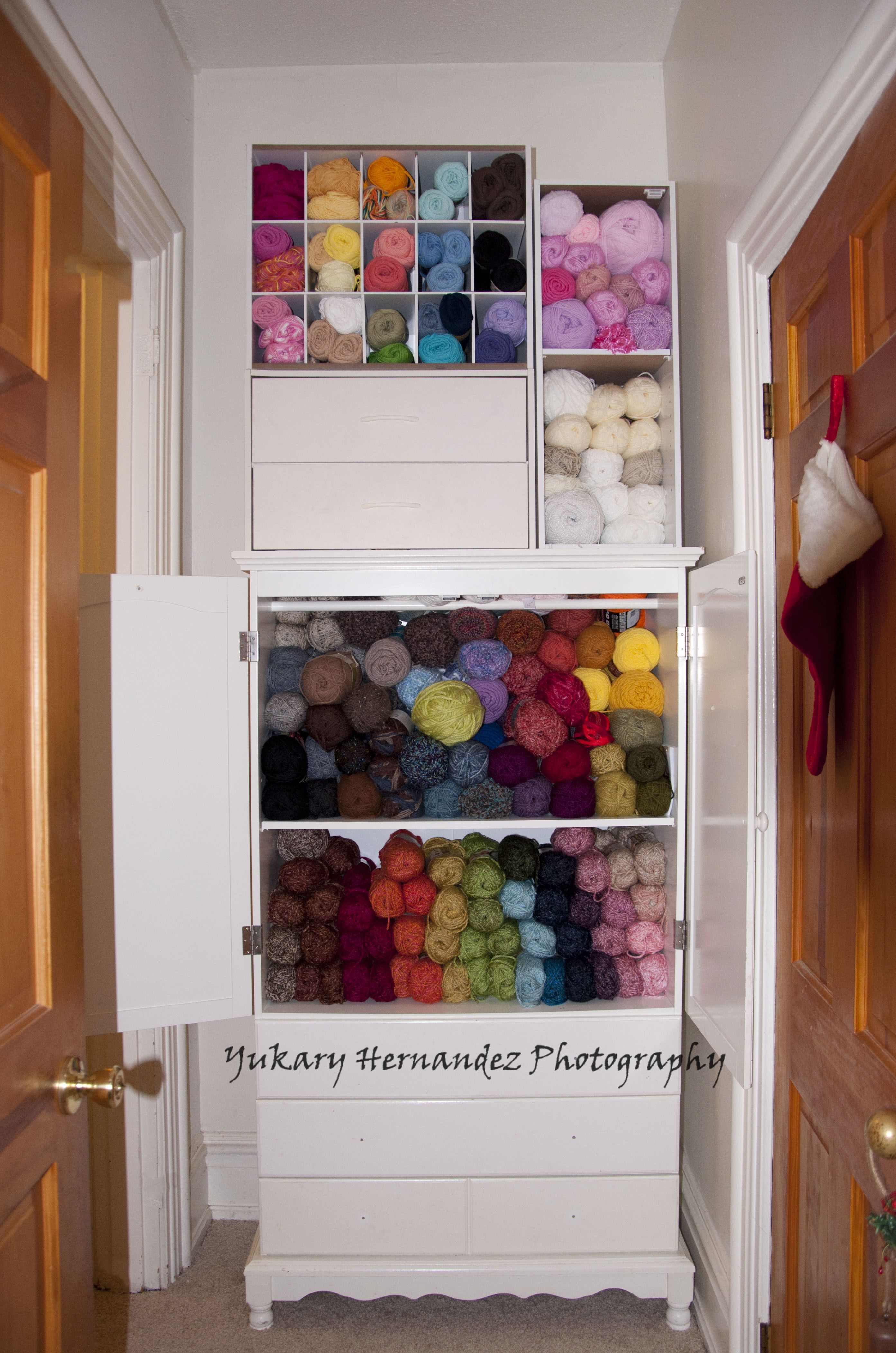 Space saving hallway furniture  I was looking online for storage compartmets for my yarn and wanted