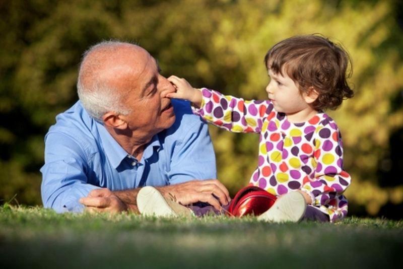 Abuelos y nietos, una relación mágica | La Puerta Pequeña