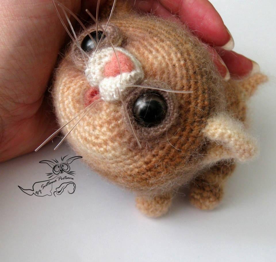 Aw...cute wee puddy-tat. By Svetlana Pertseva