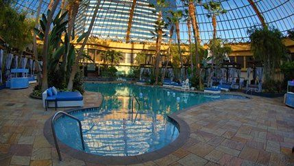 Harrah 39 s ac the pool by day favorite places spaces - Tropicana atlantic city swimming pool ...
