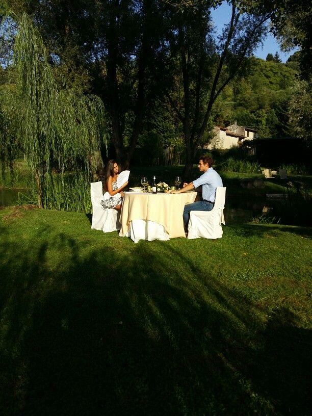 Celebration  of engagement...riverside romance in Valeggio sul Mincio