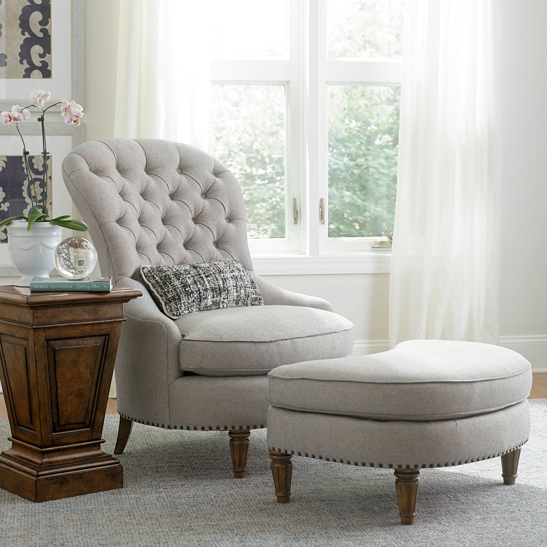 A R T Furniture Collection One Christiansen Tufted Accent Chair
