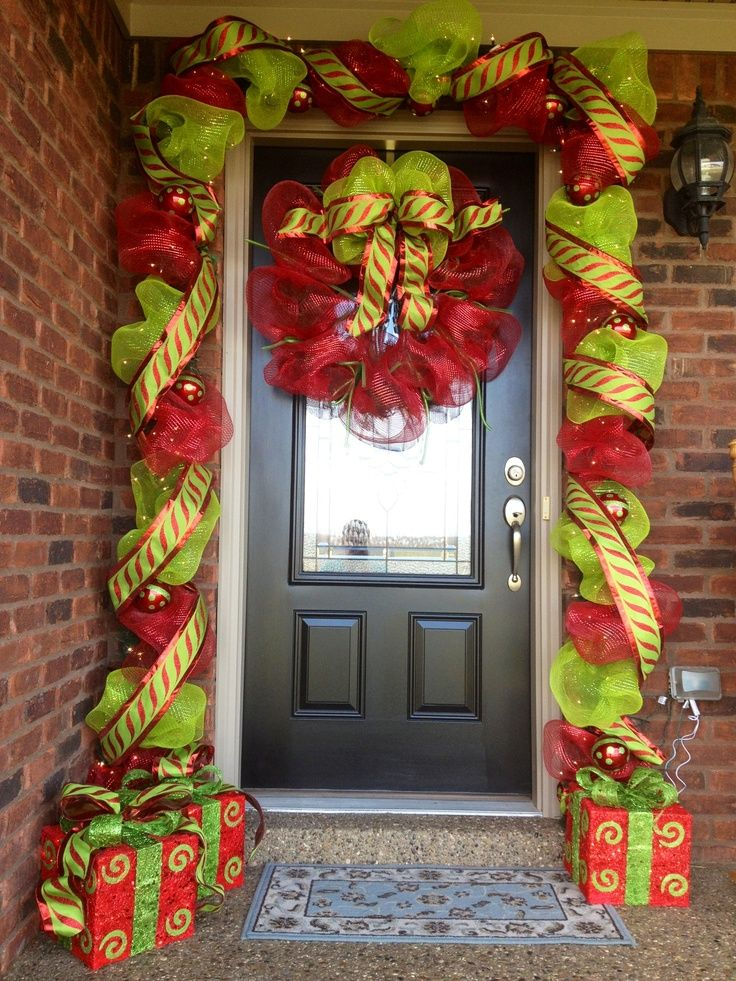 Christmas Decorating Ideas Using Ribbon : Deco mesh and ribbon entry way for christmas decorating a