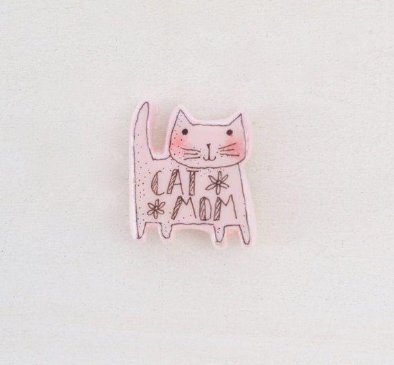 He encontrado este interesante anuncio de Etsy en https://www.etsy.com/es/listing/507937135/gato-madre-regalo-gato-mama-mama-gato