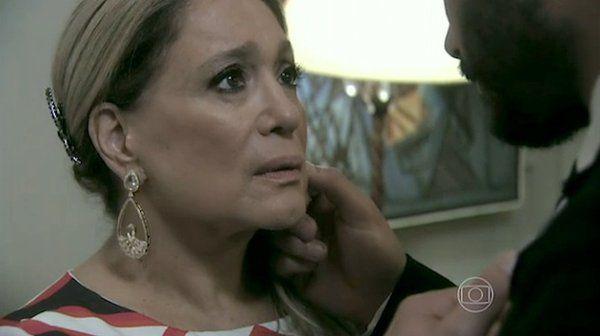 Pilar transa com Maciel, quarteto faz troca-troca, Inaiá descobre que tem HIV e Leila volta para a casa dos pais | vanessa_barreto - Yahoo TV
