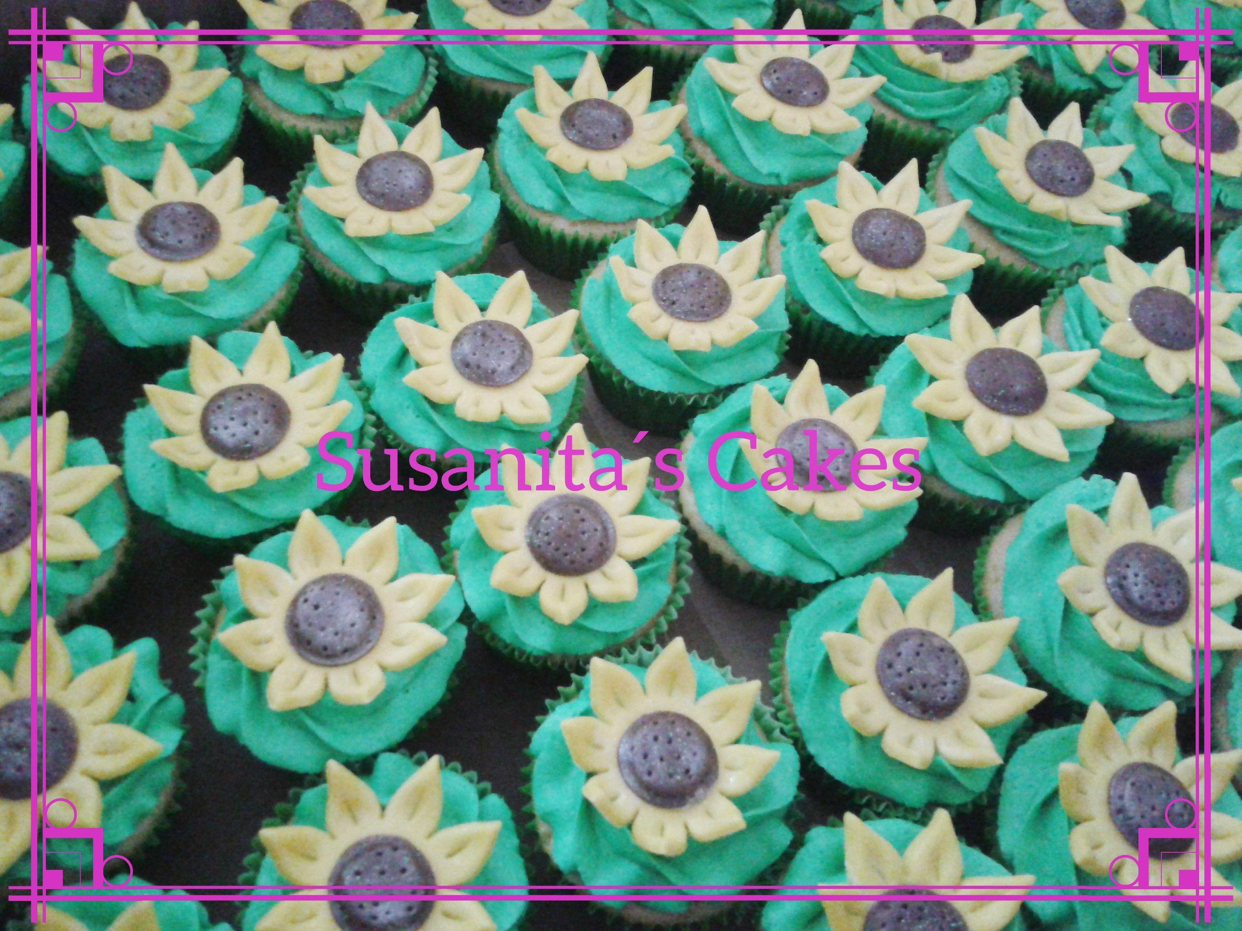 Cupcakes de Girasoles!....para una fiesta con tema Frozen Fever! #frozen #frozenfever #cupcakes #ponquesitos #talentovenezolano #susanitascakes
