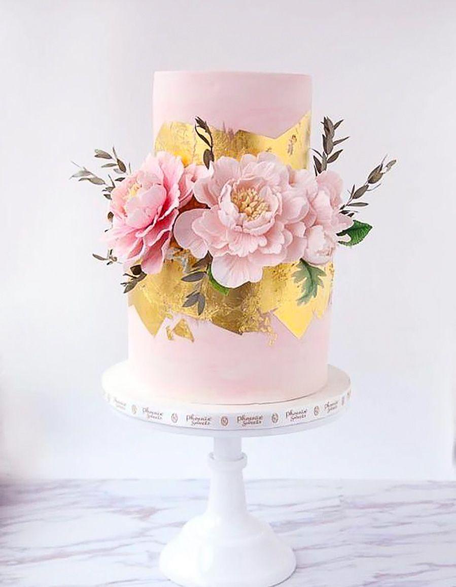 Wedding Cakes We Love This Year Cool Wedding Cakes Wedding