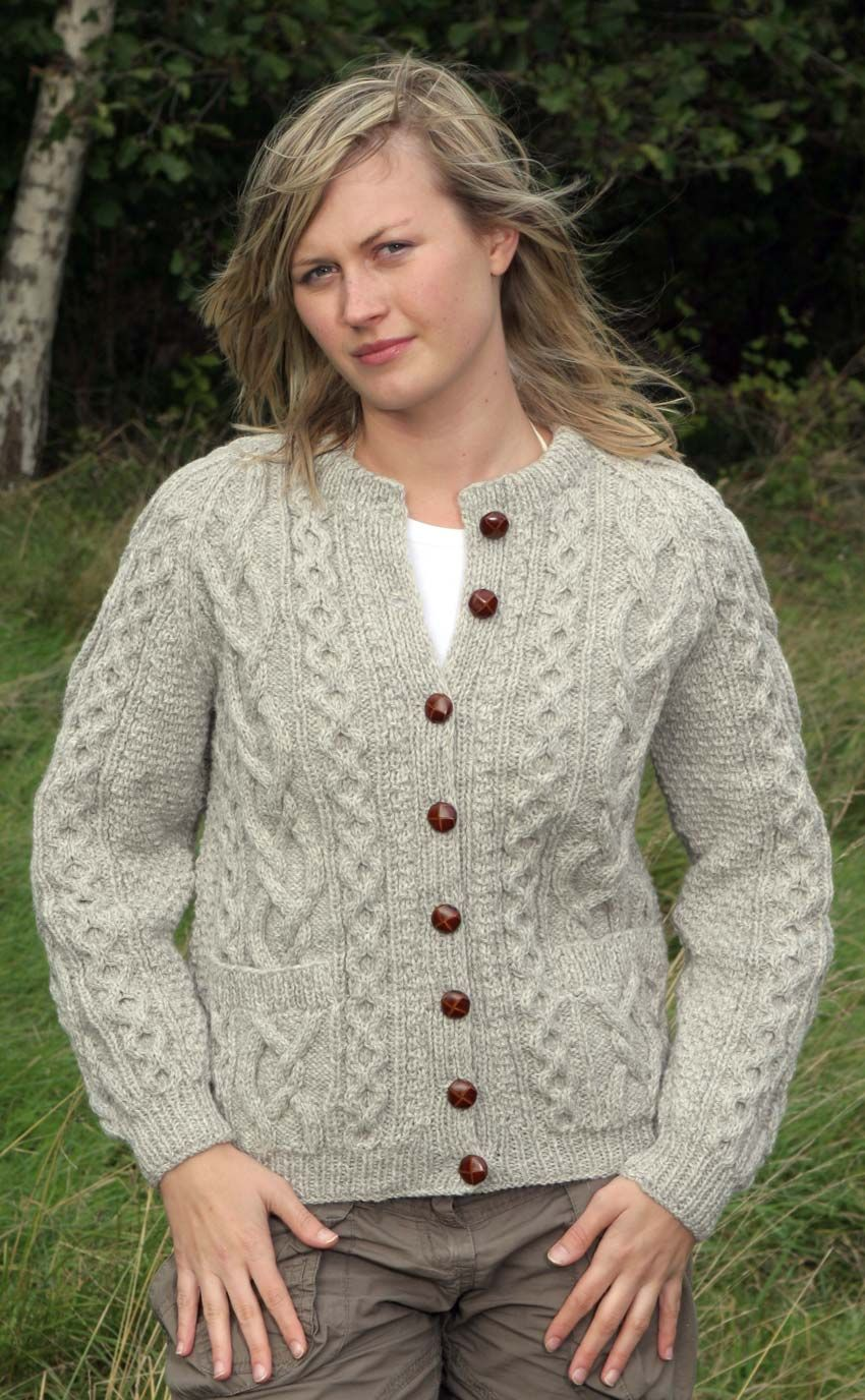 ARAN V AND CREW NECK CARDIGANS /& HOODED JACKET IN 8 SIZES KNITTING PATTERN