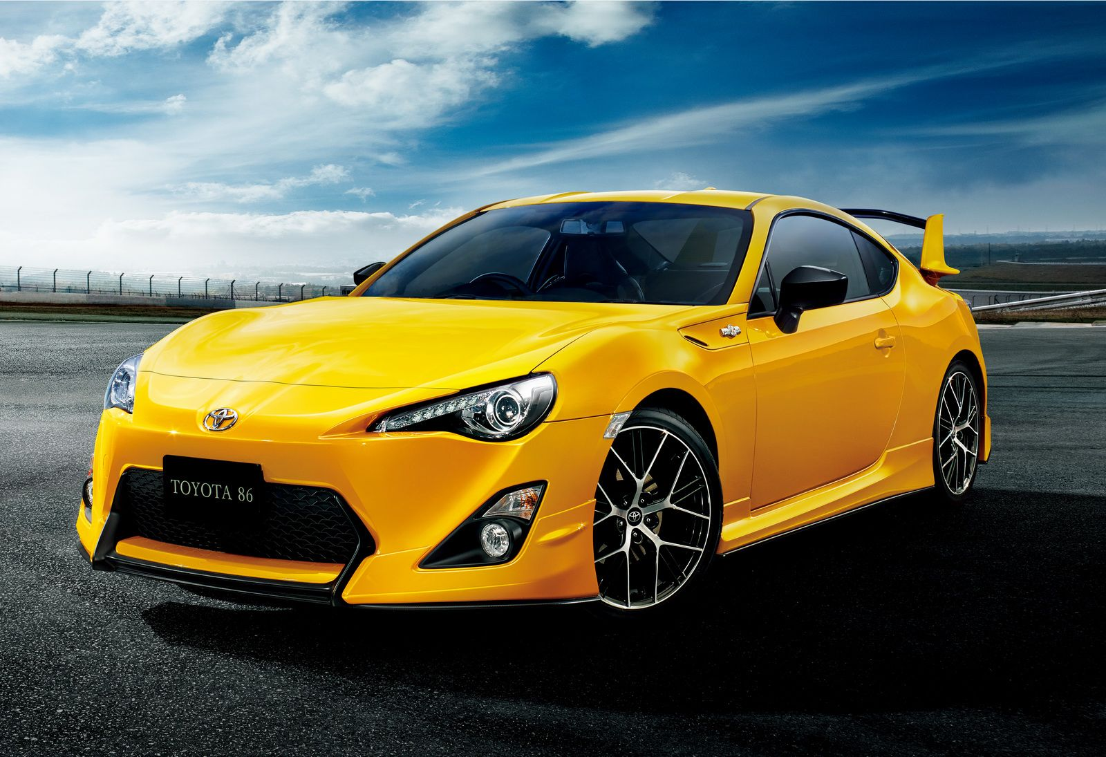 Gallery Toyota Gt86 Yellow Edition 10 Photos Toyota Gt86 Toyota 86 Toyota Cars