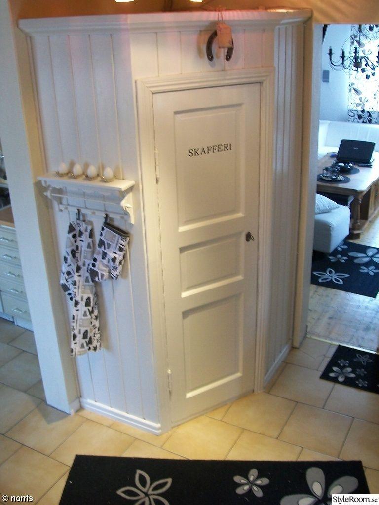 I love this for the hall linen cabinet. skafferi,handdukshylla,gå in ...