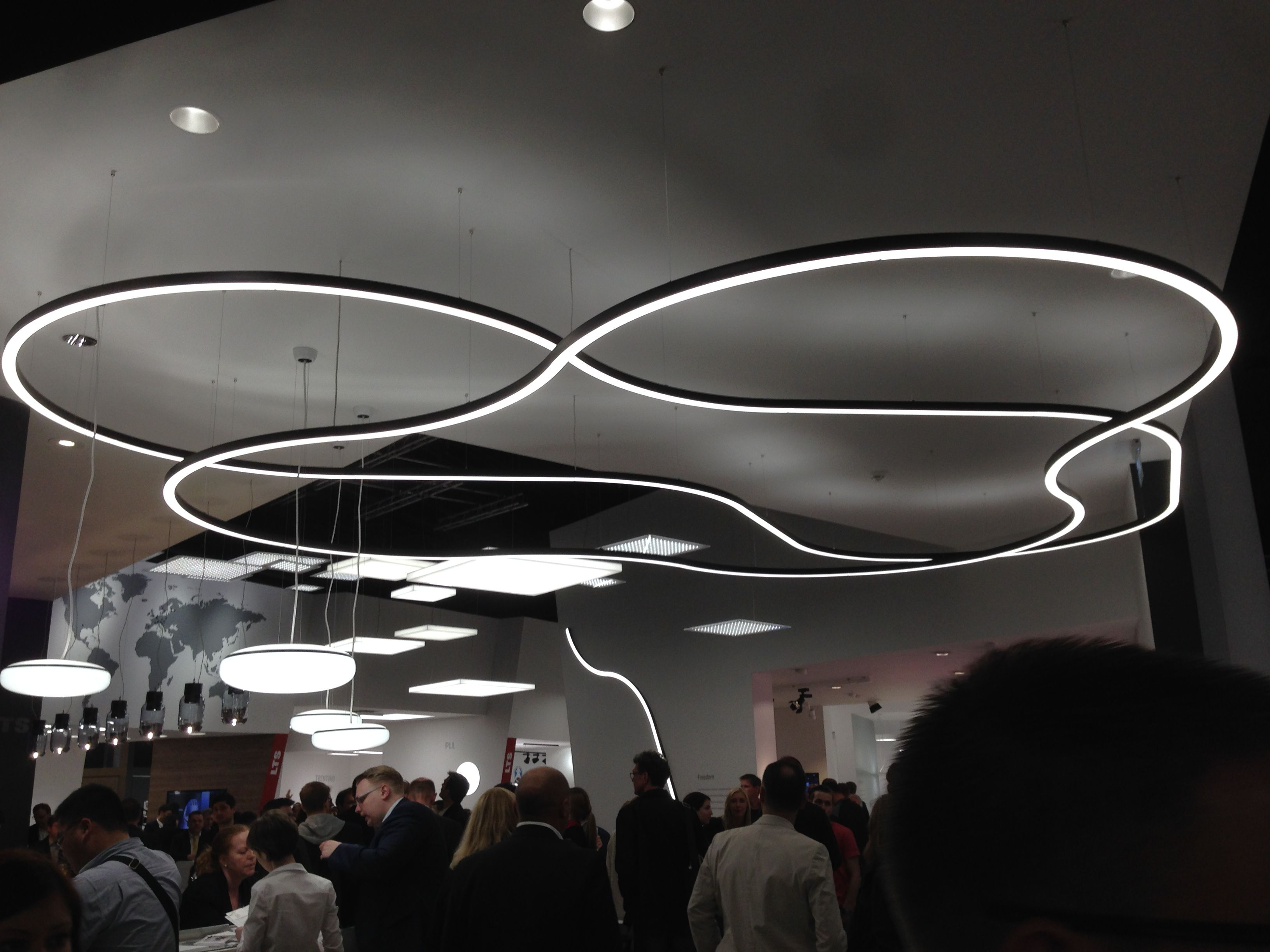 Xenon Ceiling Lights : Xal curve the latest fixture from xenon architectural