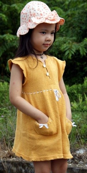 free knitting patterns, yarns and knitting supplies - Lily Go Lauri Dress