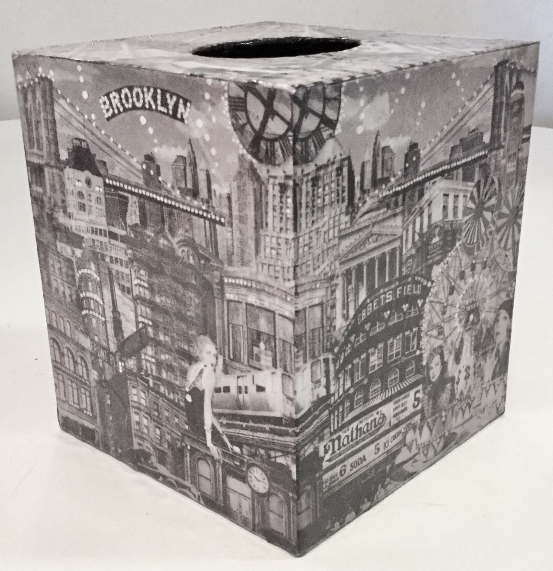 Tissue Box Cover #decoupage #Handcrafted #box #oldhollywood #mosaic #nyc #
