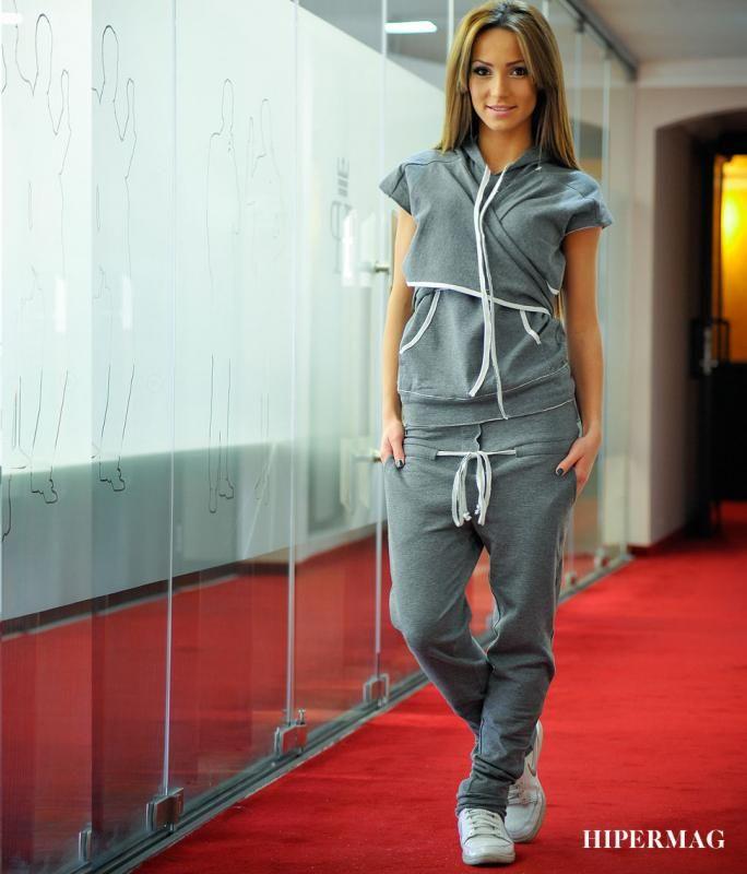 60647ba3c1a Дизайнерски спортен комплект La Speciale   Онлайн маркови дамски дрехи,  мъжки дрехи и дамски обувки. Online магазин за маркови рокли, блузи, ризи.