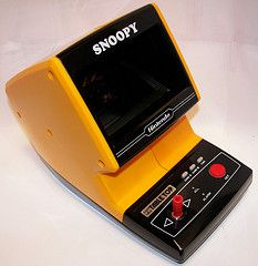 Nintendo Table Top arcades, ... still own this Snoopy one <3