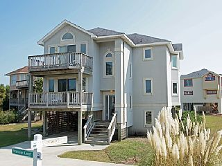 $995/wk; Avail. Fri-Fri? 5 BR (3 master suites), soft spa, community pool and tennis. Bring Fido alongVacation Rental in Corolla from @homeaway! #vacation #rental #travel #homeaway