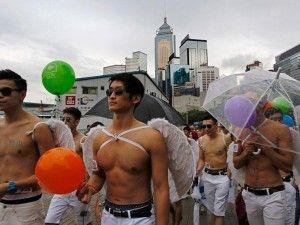 ¿Quieres conocer a un gay? ¡Chatea ahora con hombres gay a tu alrededor!