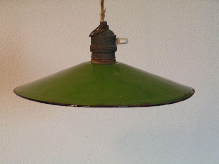 Online veilinghuis Catawiki:  Geëmailleerde  lampen - 6 stuks
