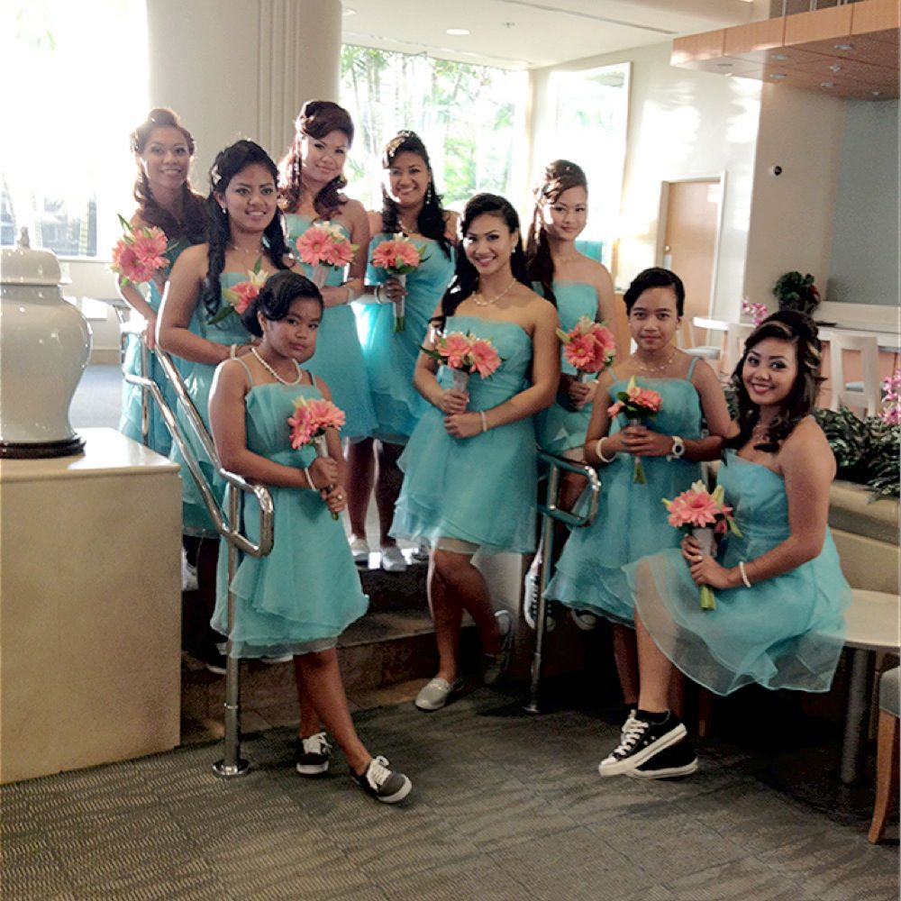 Maid Of Honor And Bridesmaids Wearing Their Van And Converse Shoes