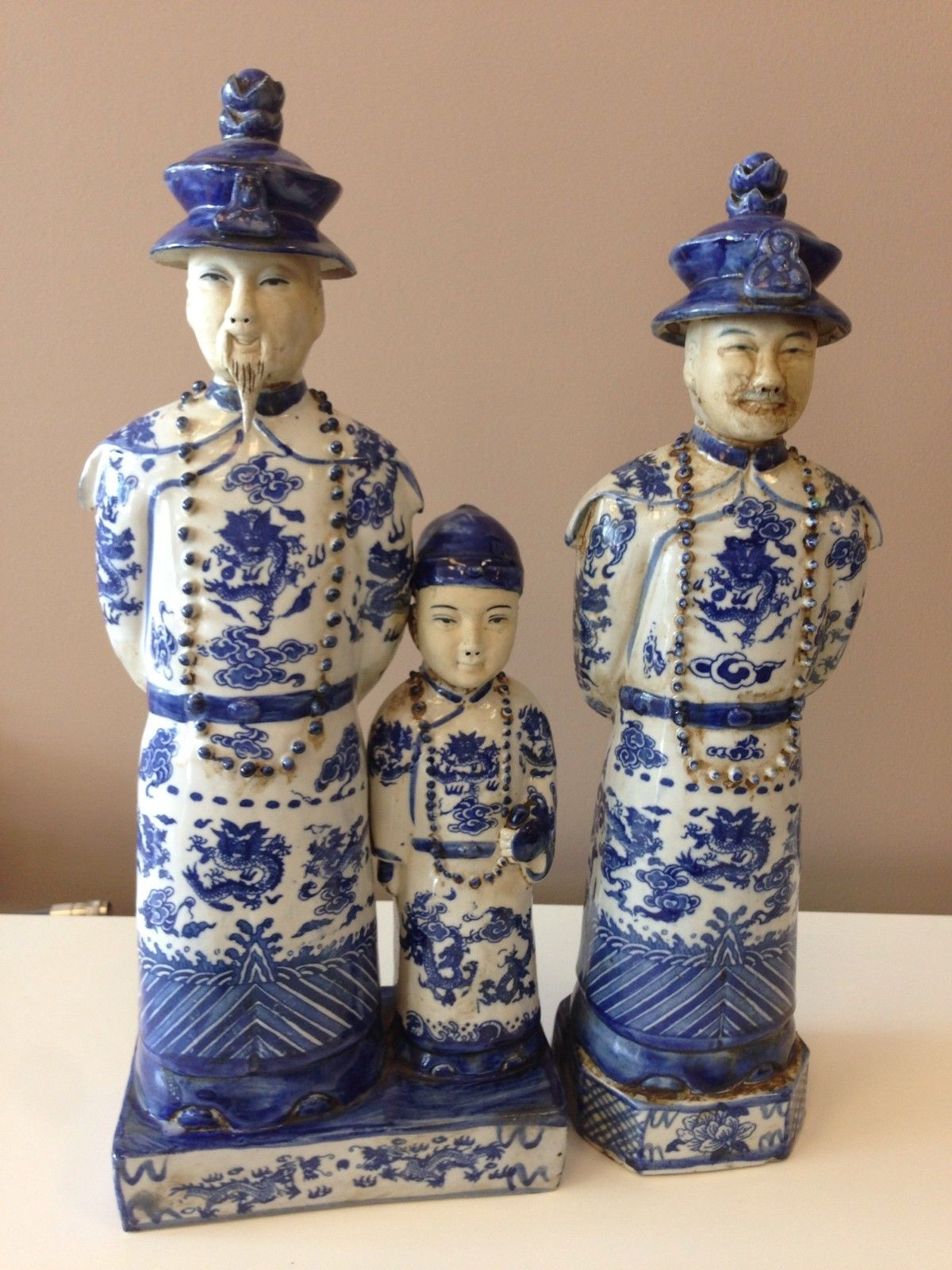 Chinese Porcelain Men Figurines Blue White Antiques