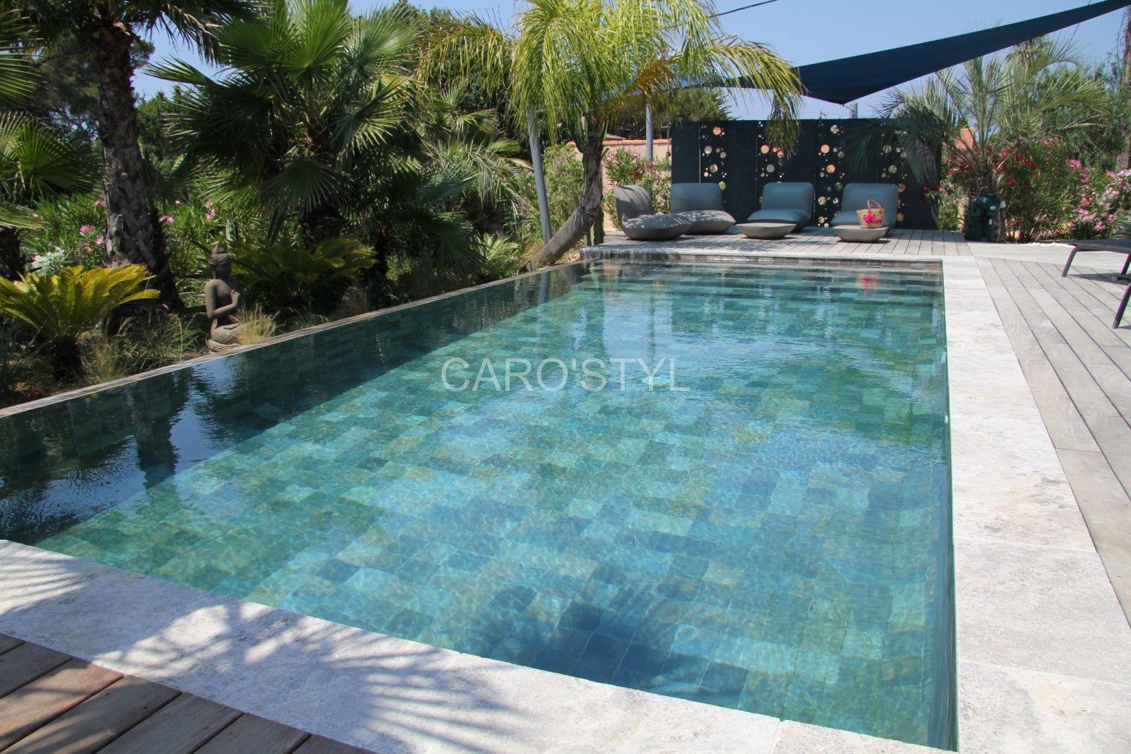 invitation la d tente cette superbe piscine r alis e en green bali nous fait r ver. Black Bedroom Furniture Sets. Home Design Ideas