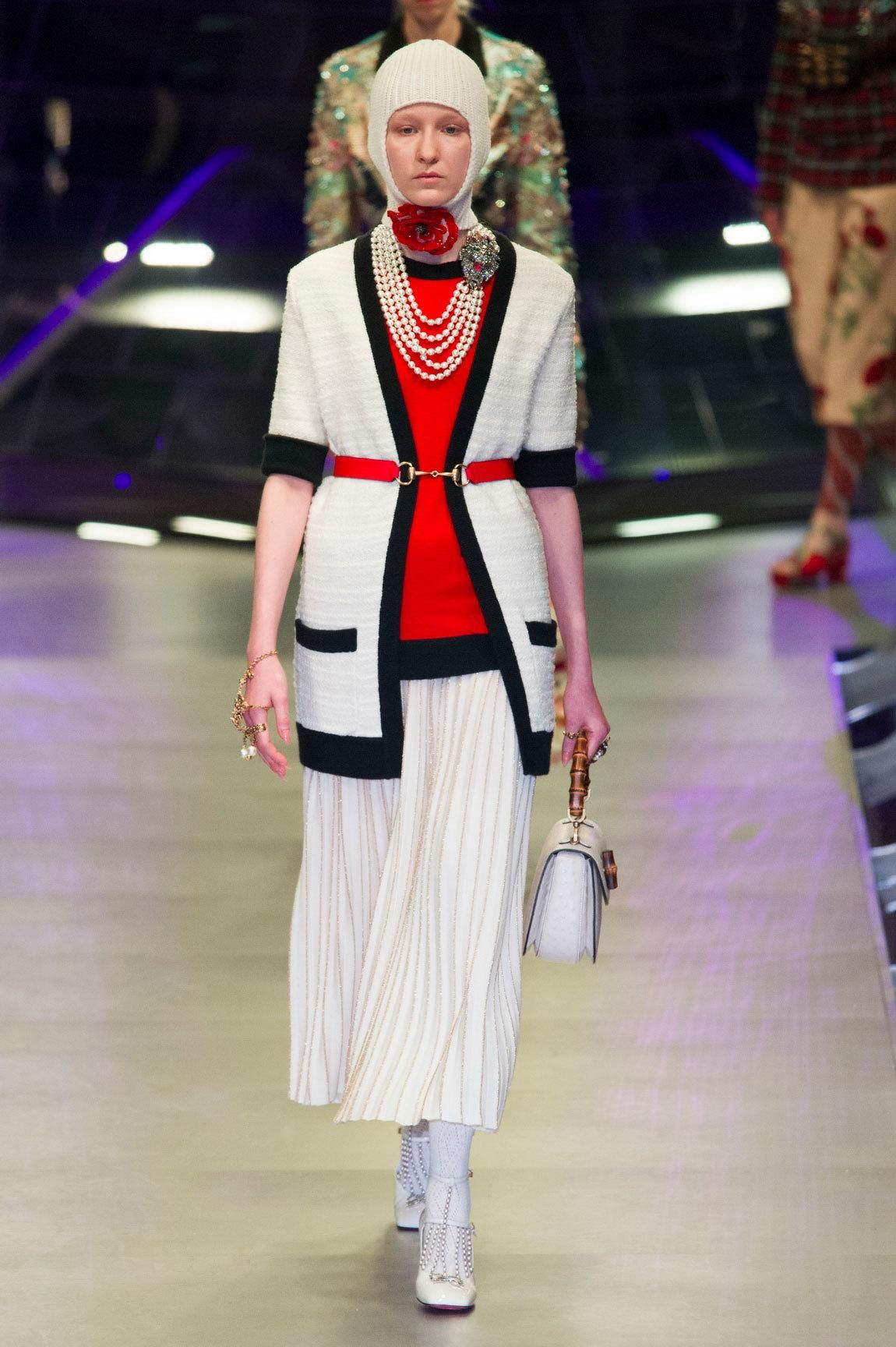 Gucci Opens Milan Fashion Week With A Display Of Modern Fashion Alchemy Fashion Fashion Week Fall Fashion 2017