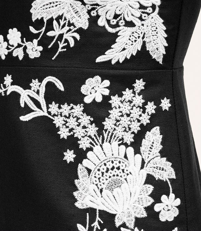 Thumbnail Image of Color Swatch 6600 Image of Linen Cotton Embroidered Dress