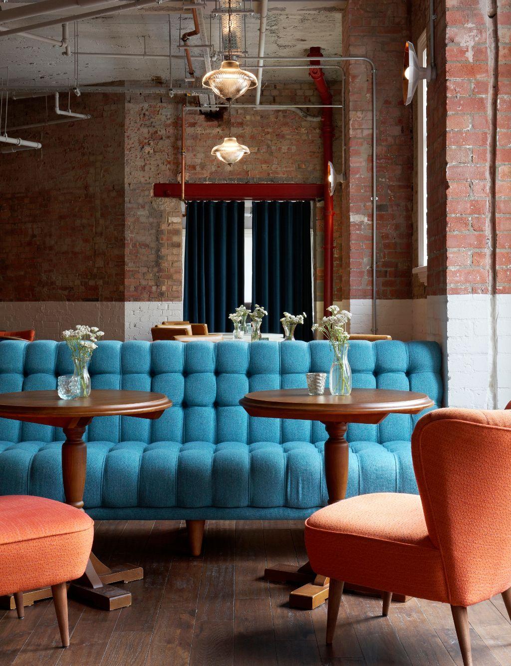 Banco Restaurante Capiton En Terciopelo Azul Bancada Wall Bench  # Barre Duque Muebles