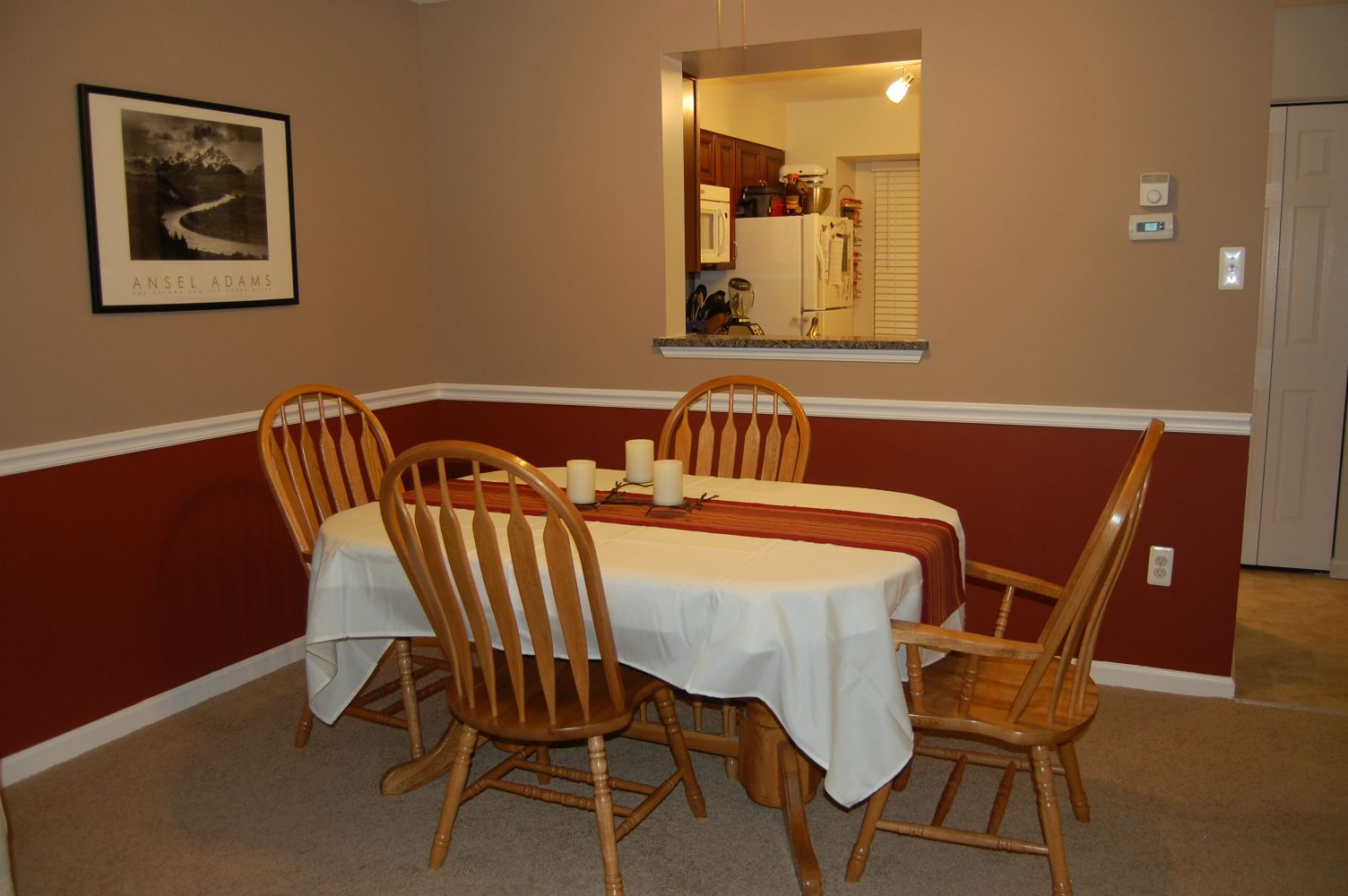 dining room colors with chair rail | chair rail in dining room | Dining Rooms with Chair Rails ...