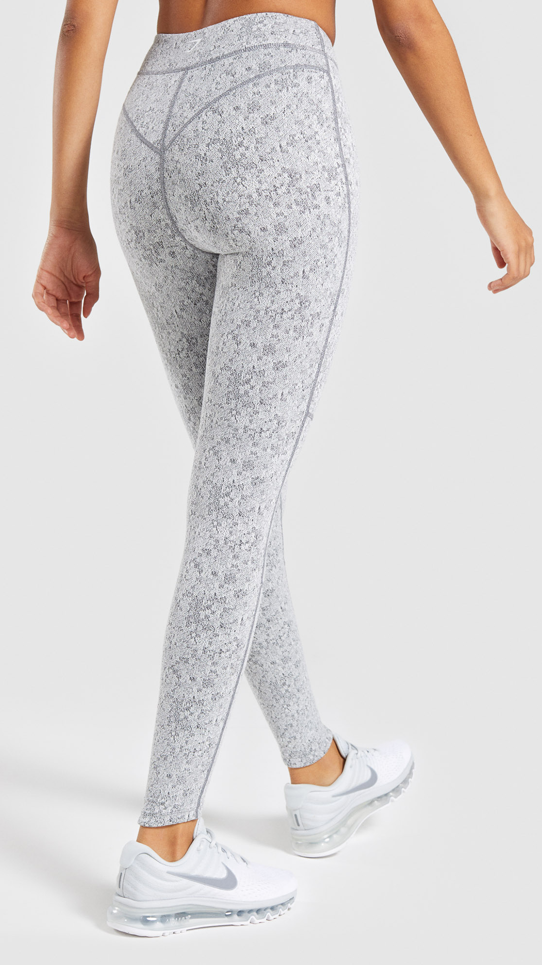 7ea151914c42a With flattering seam details