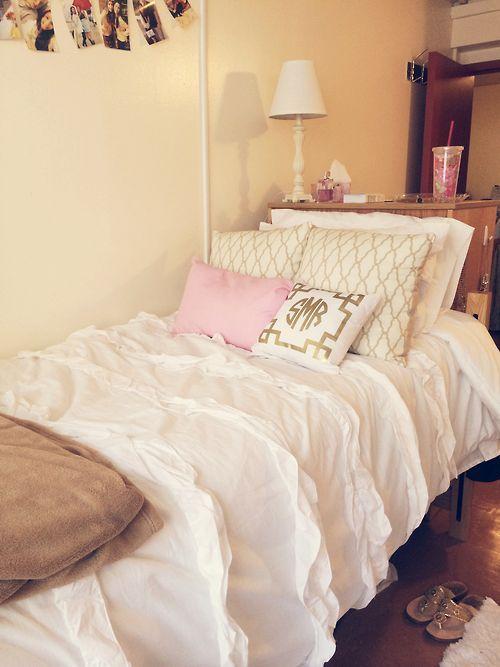 how to make your dorm room smell nice in 2019 dorm decor. Black Bedroom Furniture Sets. Home Design Ideas