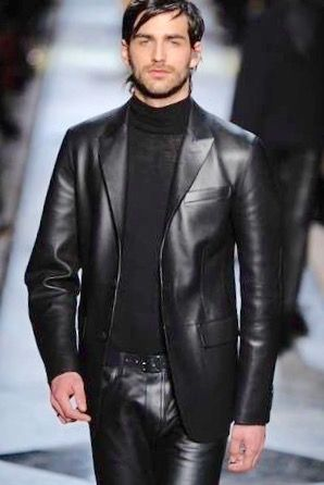 Pin by Efi on Men in Black | Leather outfit, Beard clothing ...
