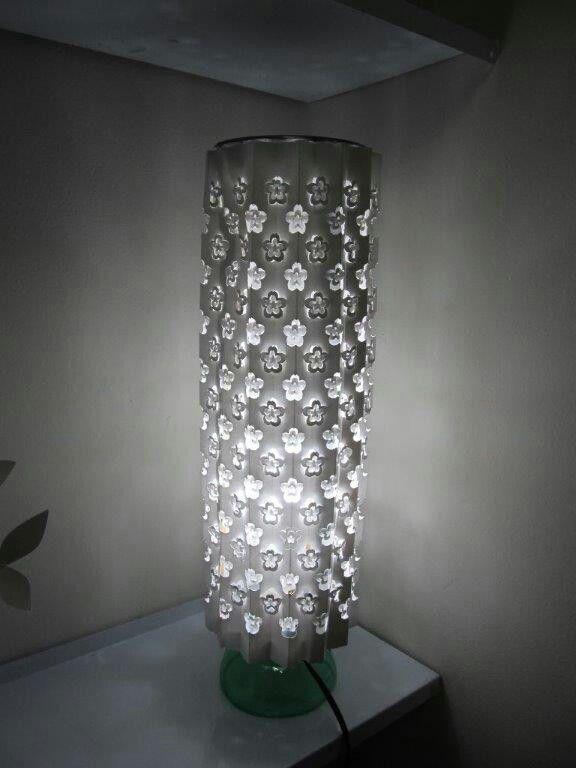 Luminária em kirigami feita por Marcelo Taba