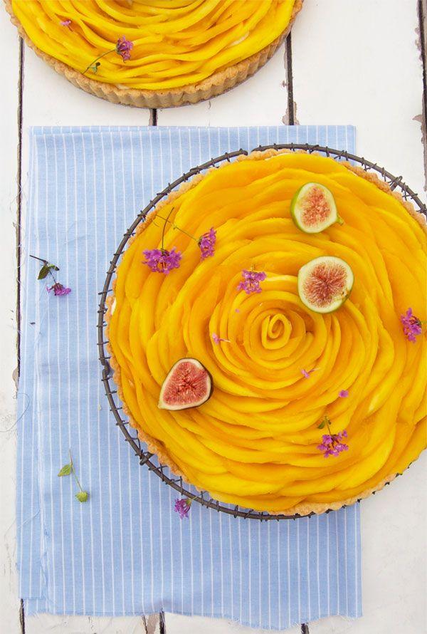 très jolie présentation de tarte à la mangue