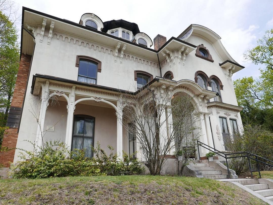 """thisoldhouse: """"A few blocks from the #TOHBelmont project is one of Belmonts most famous houses - The Homer House. #TuneIn to find out history. #ThisOldHouse #TOH #TheHomerHouse"""""""