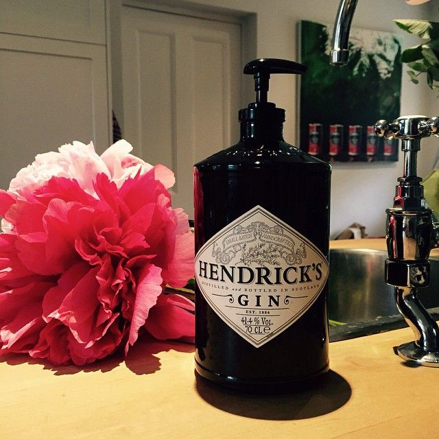 Seeing as it is the day the world is celebrating gin… I thought I'd share my latest soap dispenser! Have to say we love Hendricks in this house, so you can always find an empty bottle somewhere to make into something! #worldginday #hendricks #diy