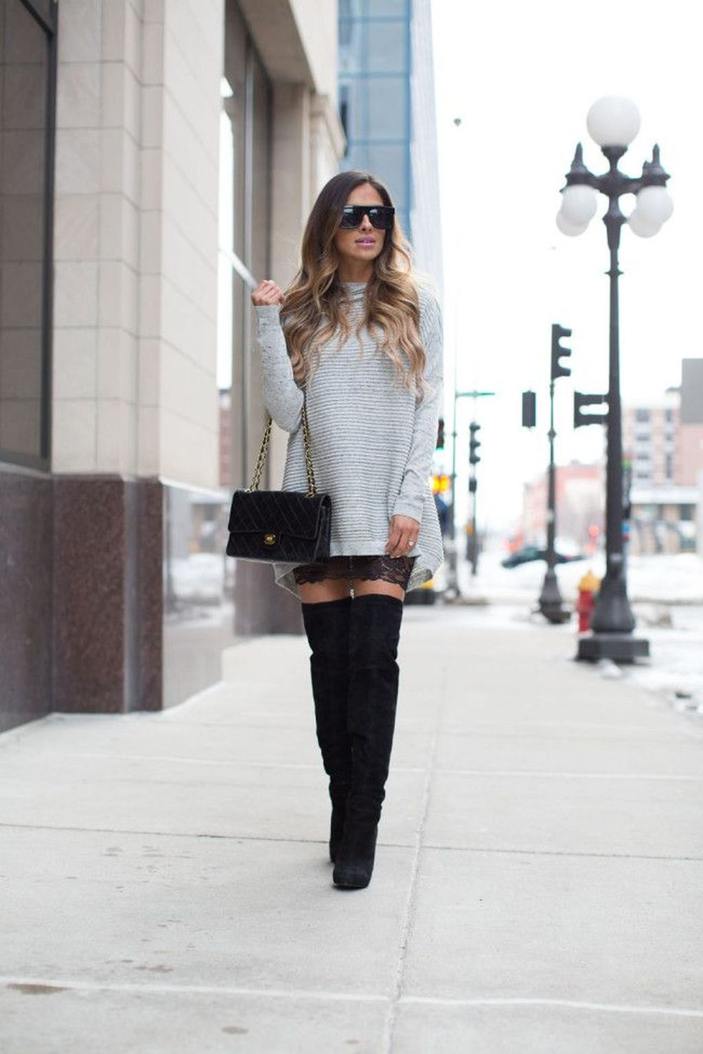 37 Stunning Outfit For Women That Look Good With Boots Sweater Dresses #mittellangeröcke 37 Stunning Outfit For Women That Look Good With Boots Sweater Dresses #mittellangeröcke