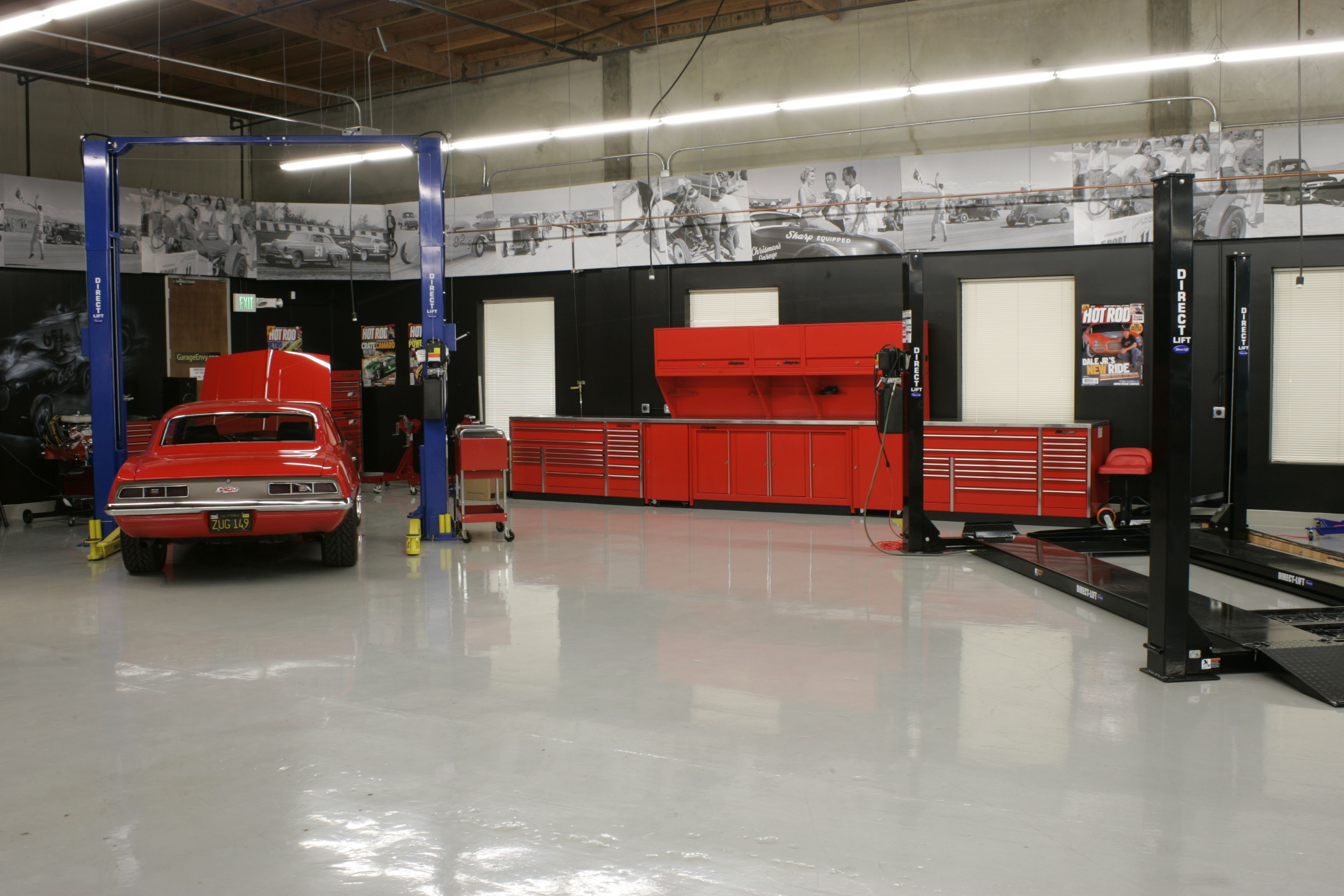 From hot rod magazine garage mahal taller y autos for Custom garage plans