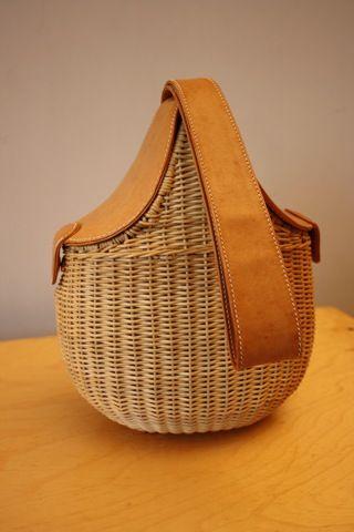 bd5933c64c6a Rare Vintage GUCCI Wicker & Leather Basket Saddle Bag Style Handbag ...