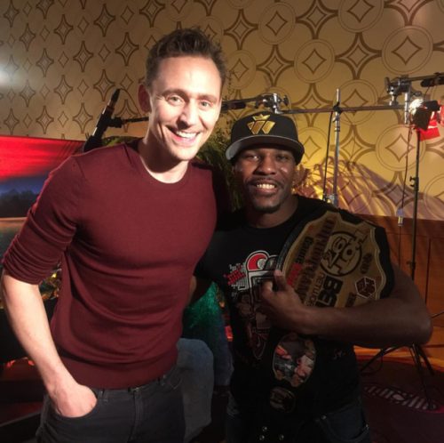 Hiphopgamer This Is A Real Passionate Dude Right Here My Man Tom Hiddleston Can T Wait For These Interviews To Come Out Yo So H Tom Hiddleston Toms Men S Toms