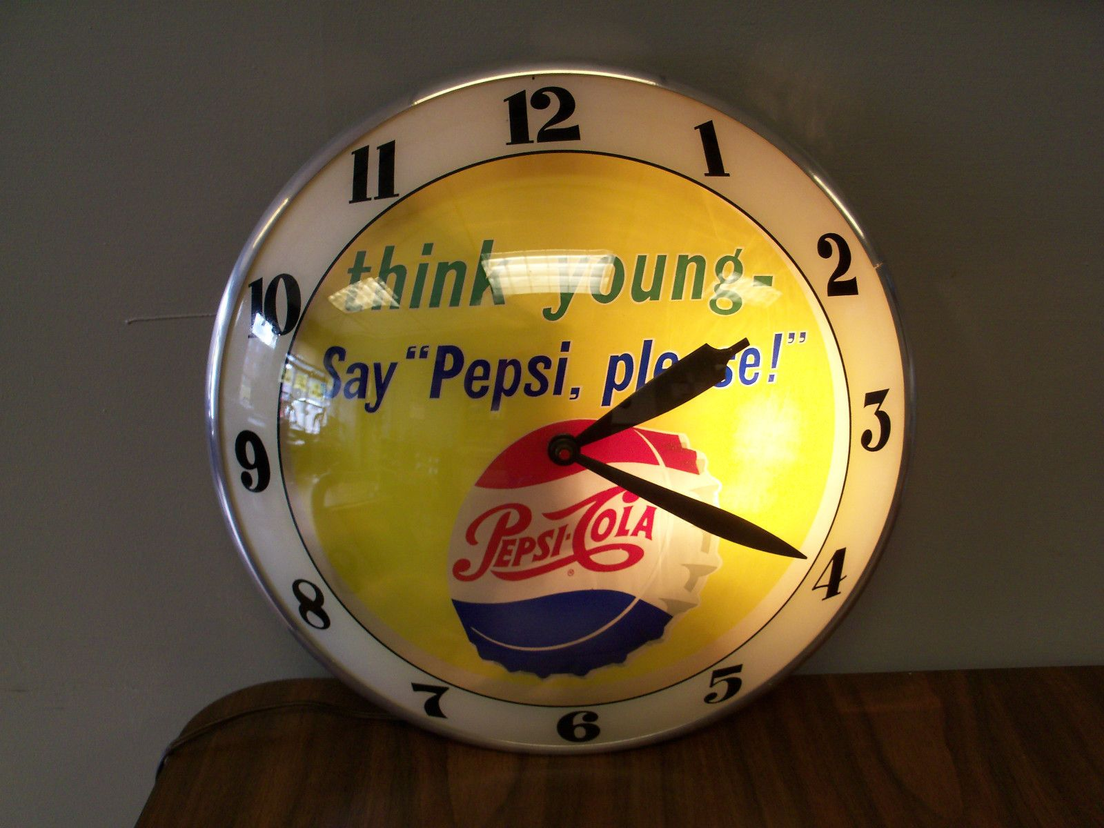 Vintage Pepsi Cola Double Bubble Lighted Wall Clock