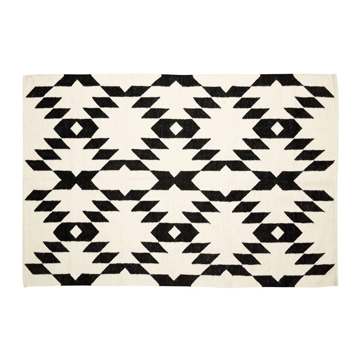 stunning tapis graphique noir et blanc hbsch hubsch with tapis ethnique noir et blanc. Black Bedroom Furniture Sets. Home Design Ideas