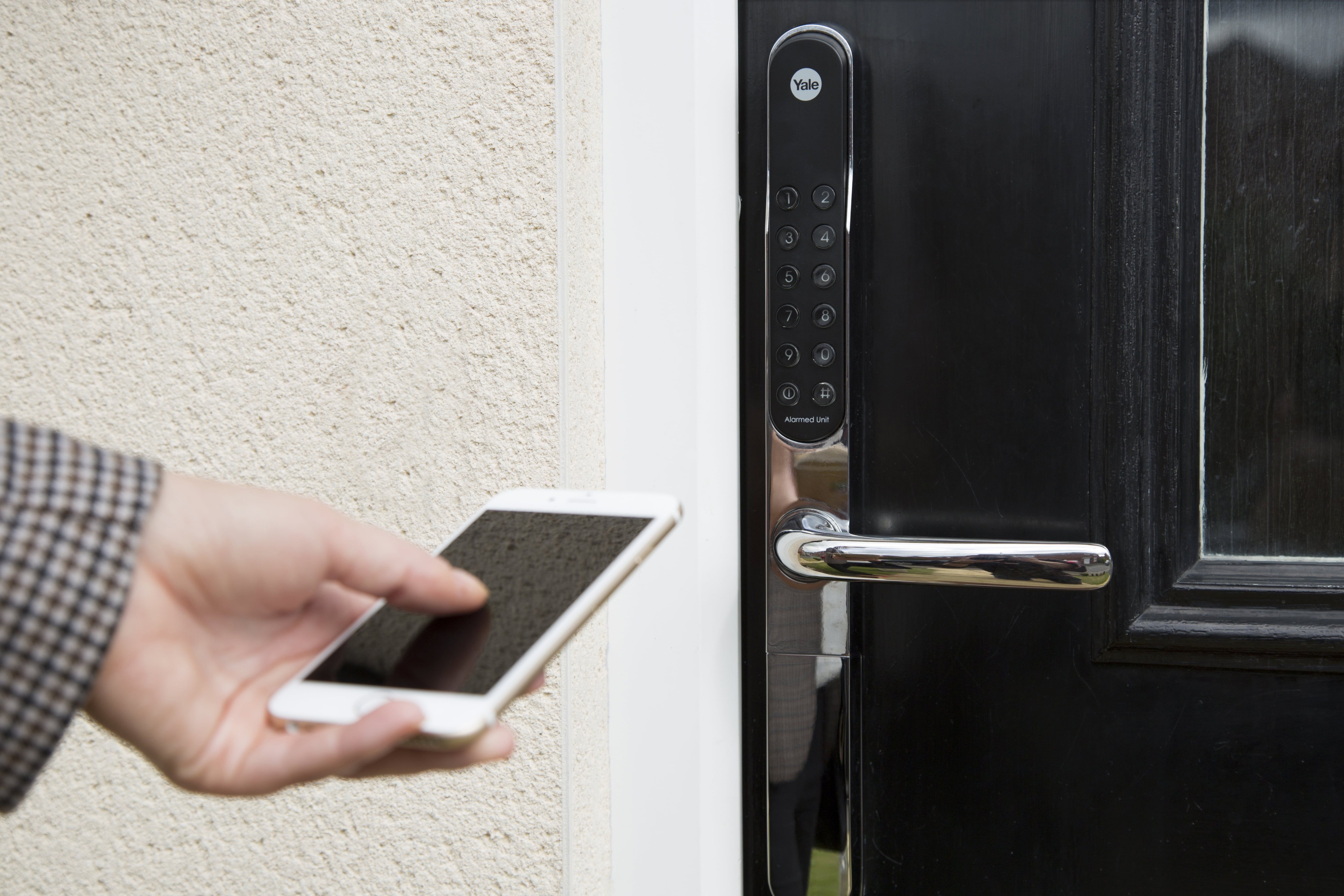the yale keyfree connected with zwave module is the latest in smart door lock
