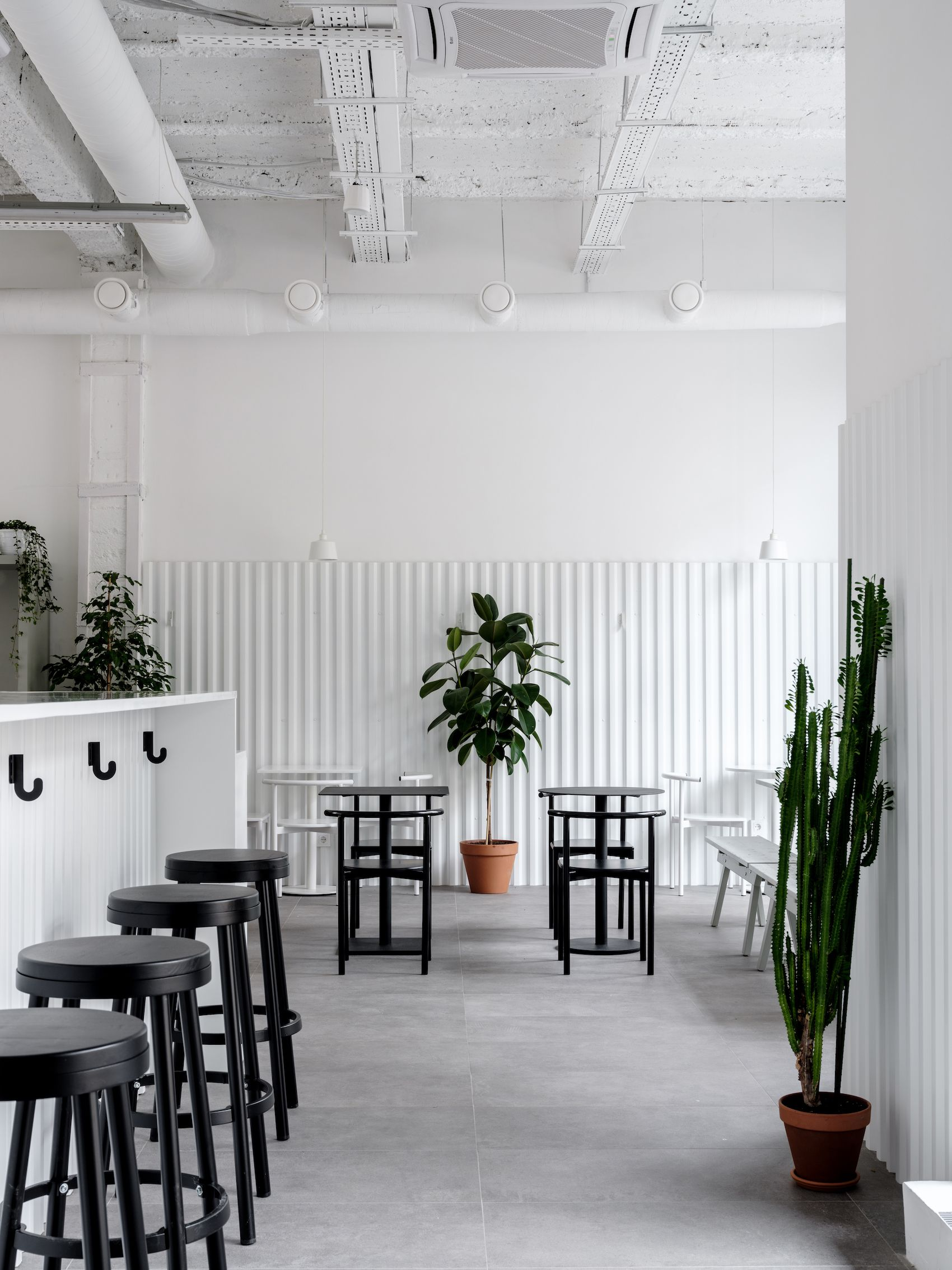 Attrayant Bloom N Brew | Leibal Minimalist House Design, Minimalist Interior, Cozy  Coffee