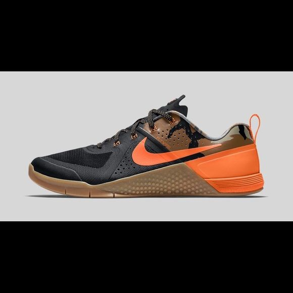 d6ba0c0fa3ac5 Nike metcon 1 amps brand new Pr hunters. Orange with gum and camo. (Size 8  in women's ) Nike Shoes Athletic Shoes