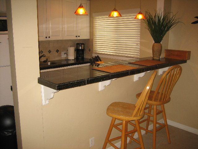 Breakfast Bar Ideas For Small Kitchens Small Kitchen With