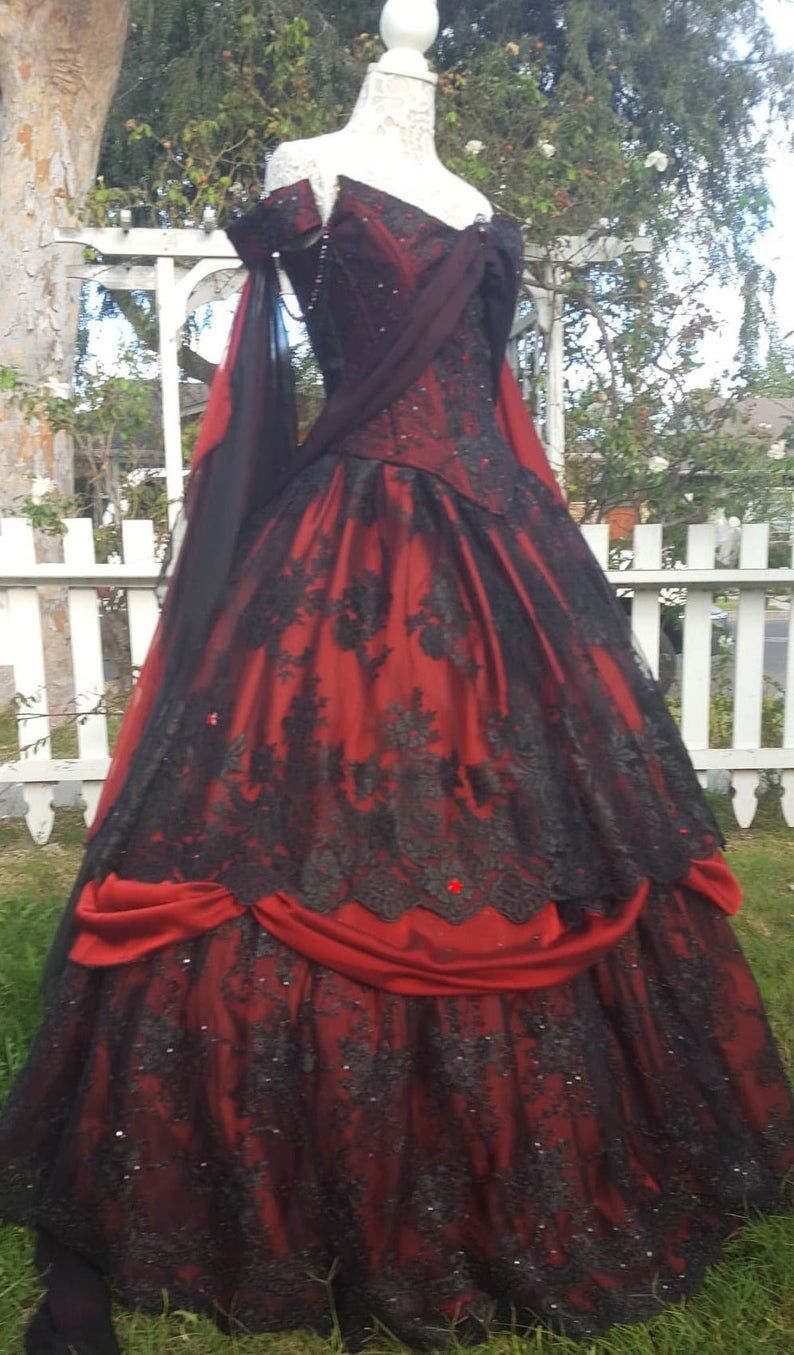 Photo of Gothic Hochzeit Belle rot/schwarze Spitze Fantasy Kleid!  Ho…