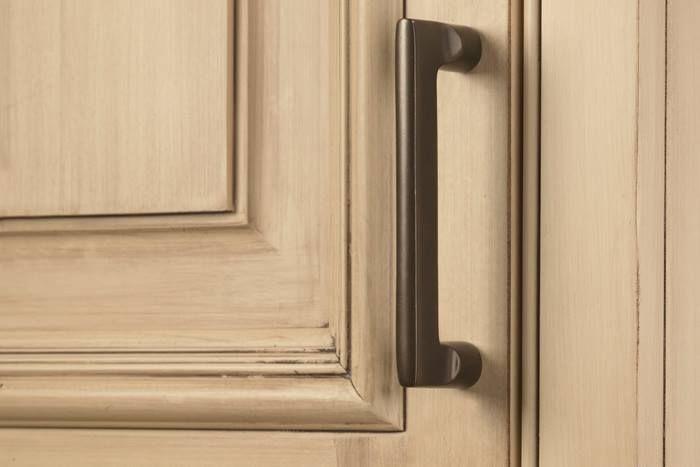 DECOR Craftsman Style Cabinet Hardware